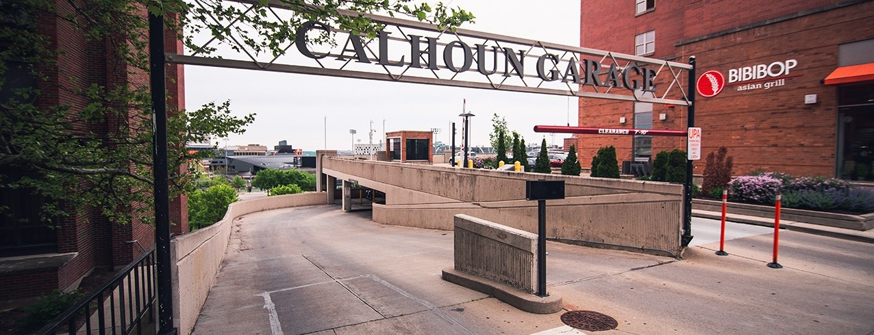 The entry way to the Calhoun Garage.