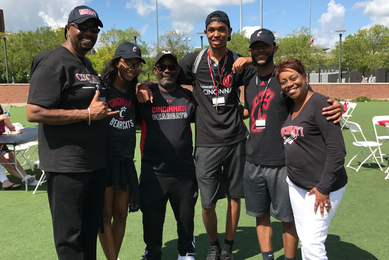 UC Family with the bearcat at Family Weekend