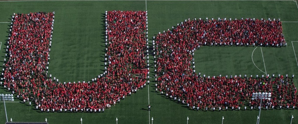 UC Students form the letters U and C during welcome week