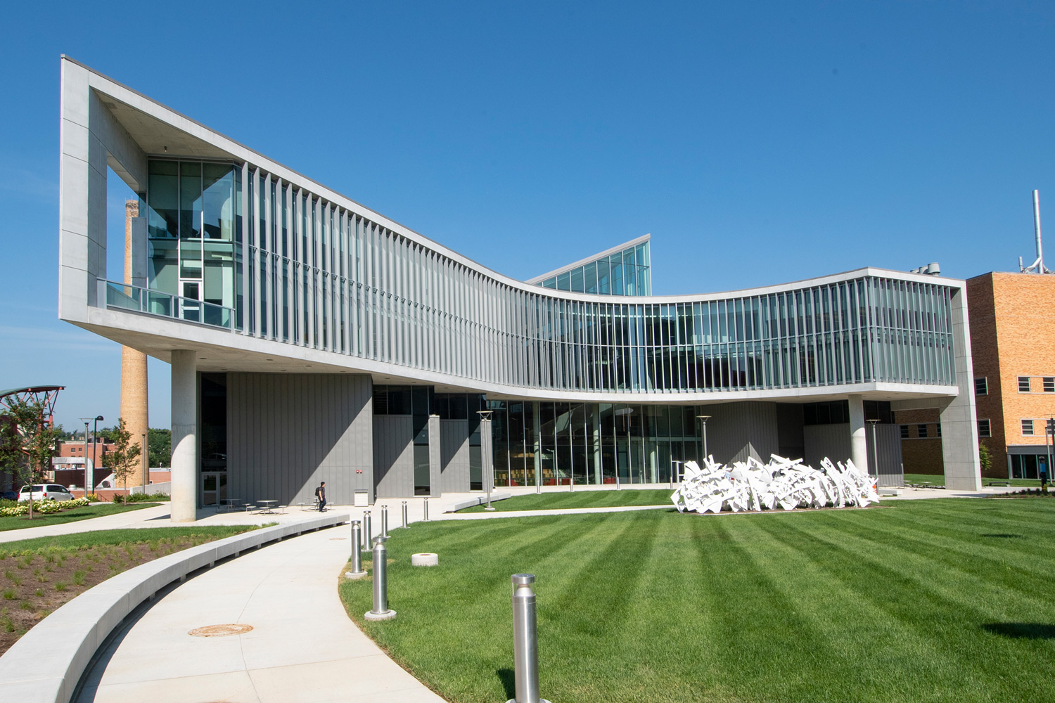Exterior view of the new Health Sciences Building