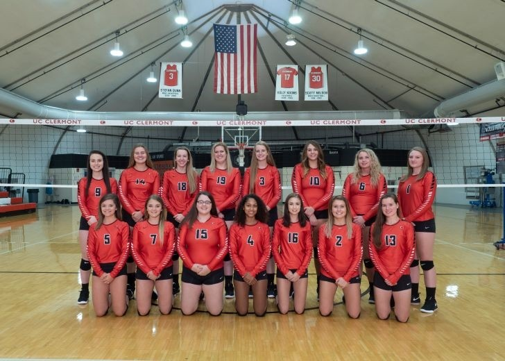 UC Clermont volleyball team 2018.