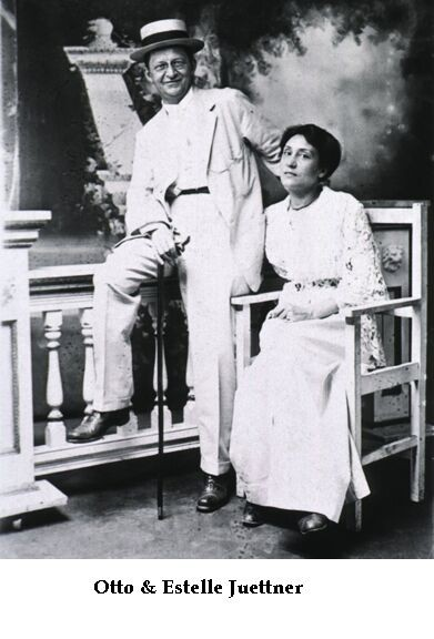 Black and white photo of Otto and Estelle Juettner