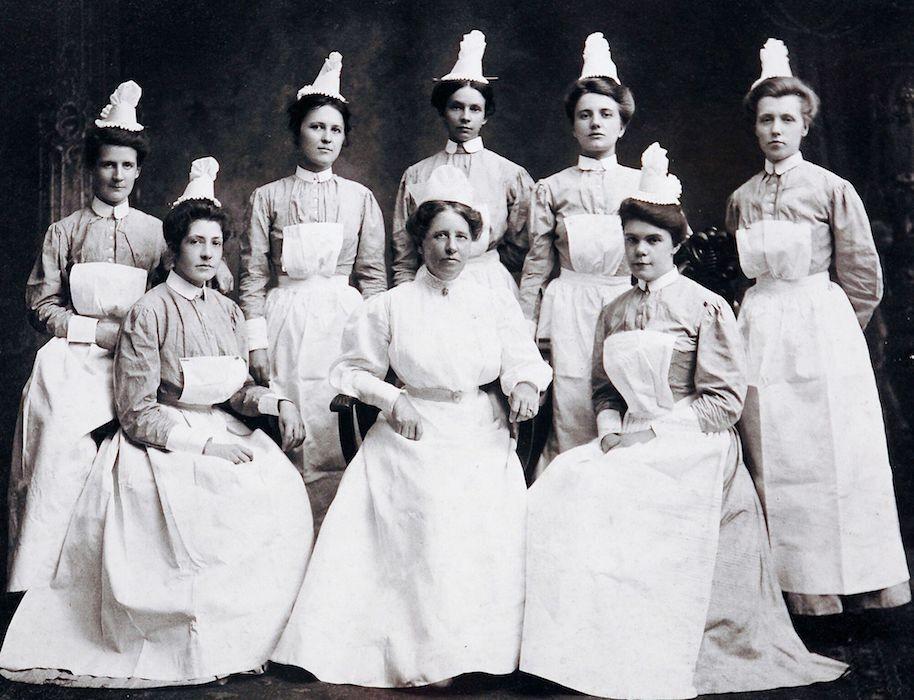 early 1900s nurses posing