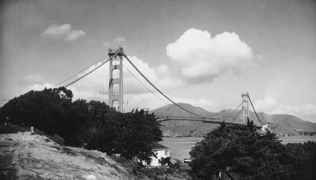 Black and white photo of Golden Gate Bridge
