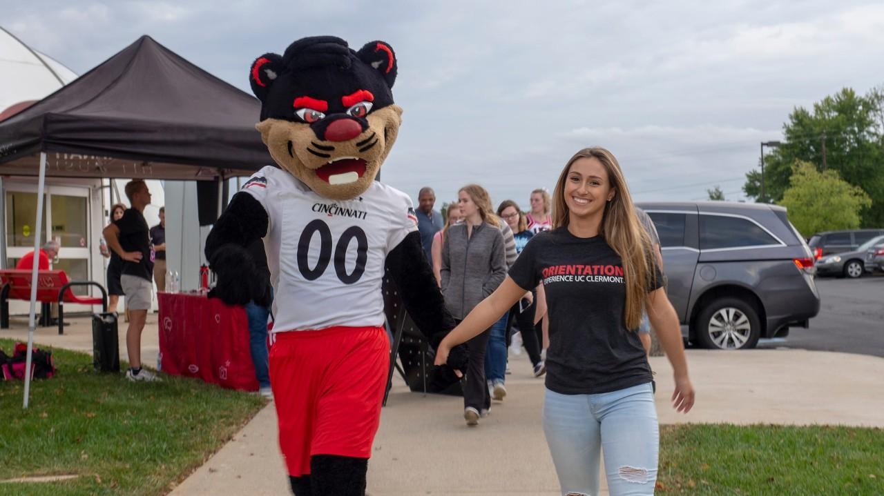 student and Bearcat tour campus