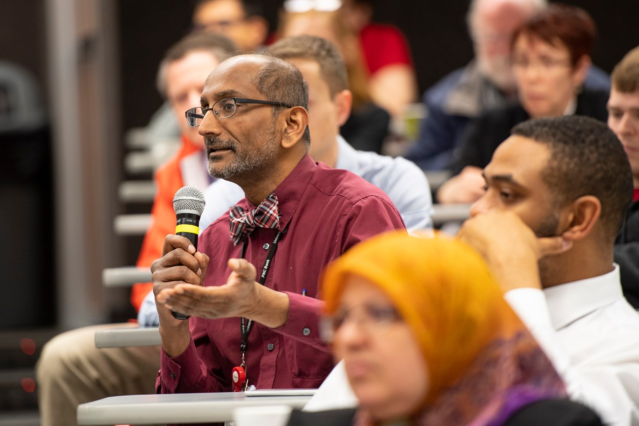 Image of Shailendra Patel, DPhil, asking a question at the Internal Medicine Research Symposium.