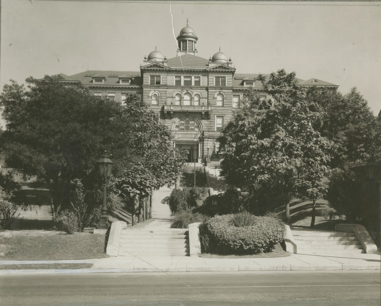 McMicken Hall image from UC Library Archives.