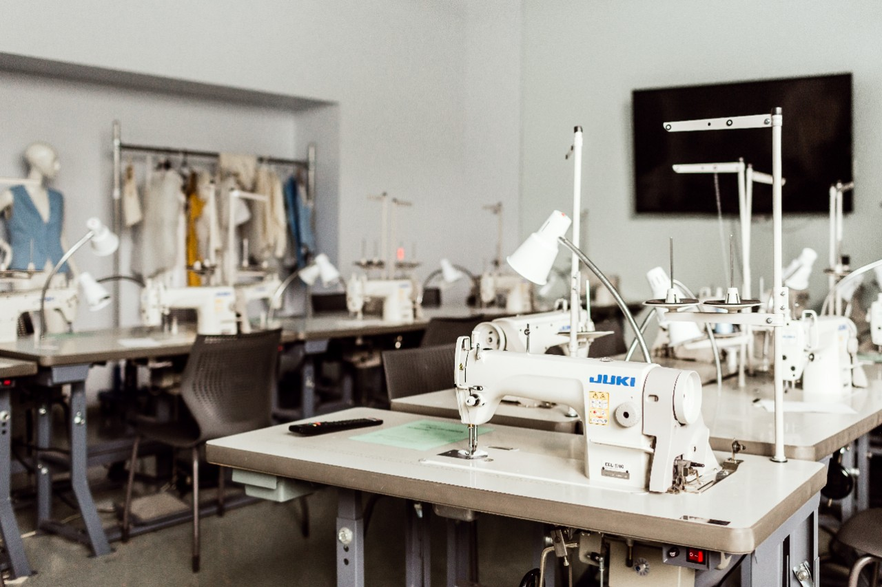 sewing lab with sewing machines
