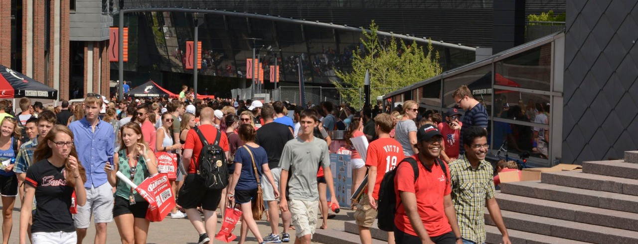 Students pack UC's MainStreet