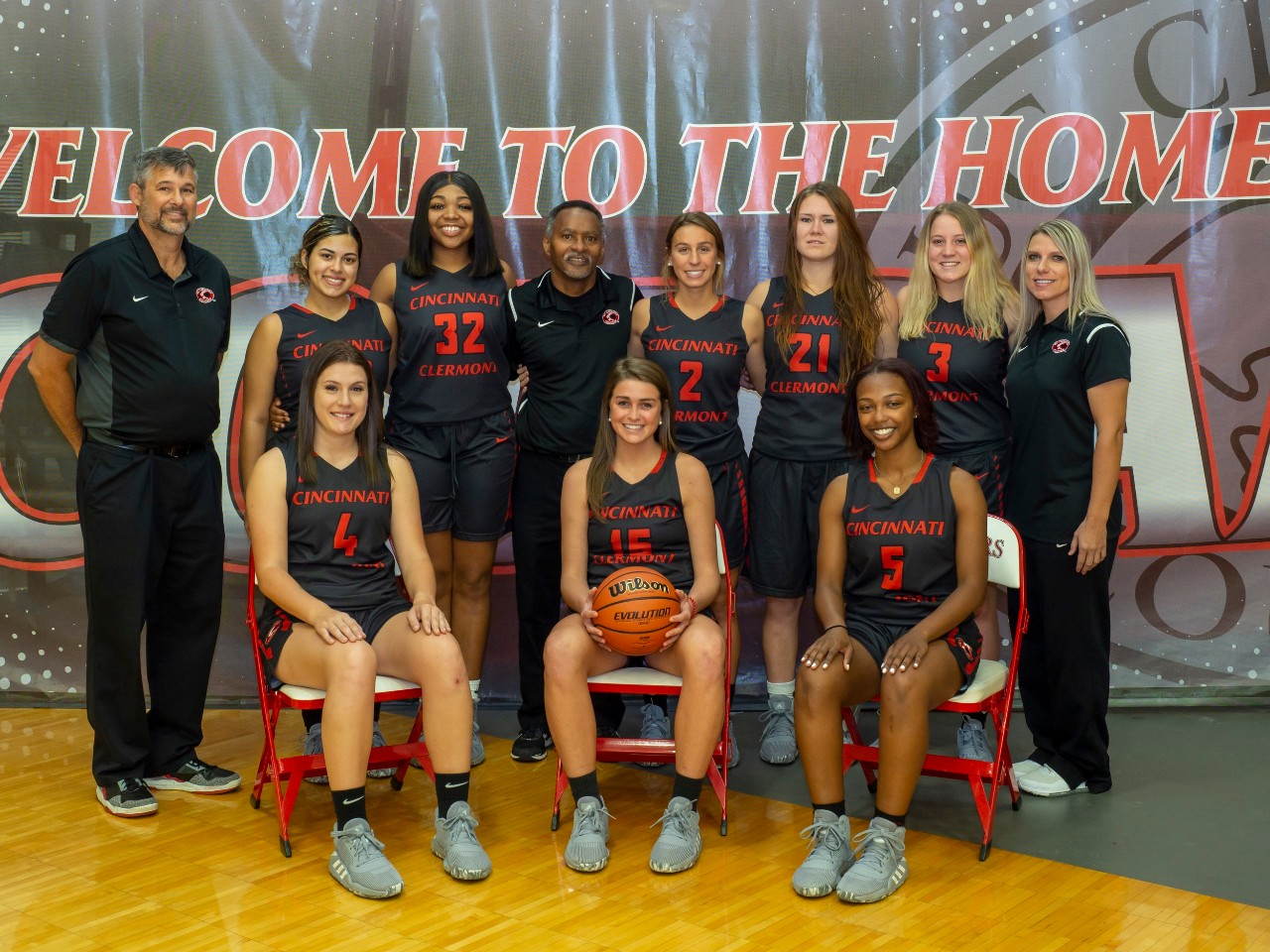UC Clermont women's basketball team 2019