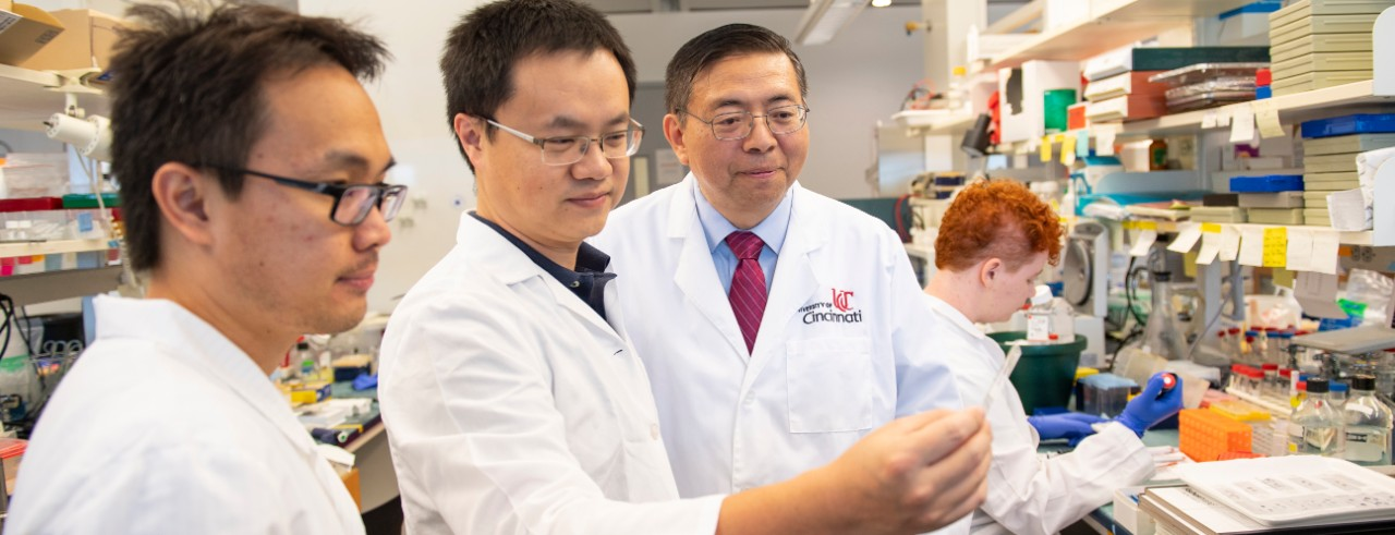 Dr. Chenran Wang and Jun-Lin Guan