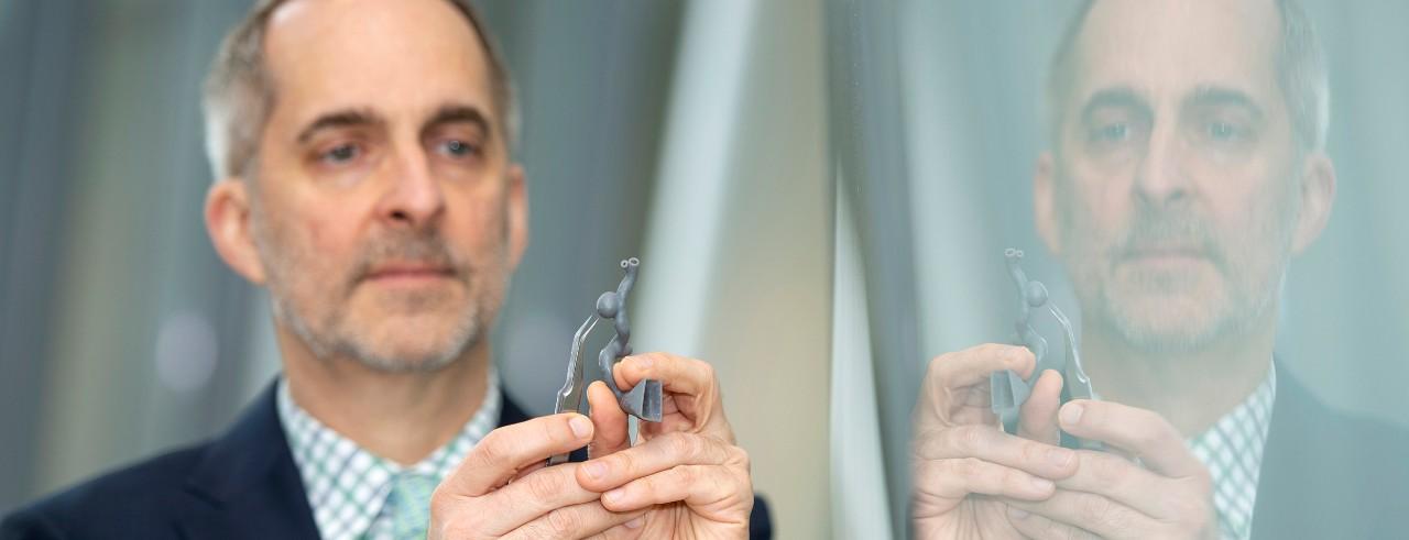 Dr. Frank Rybicki with 3-D model