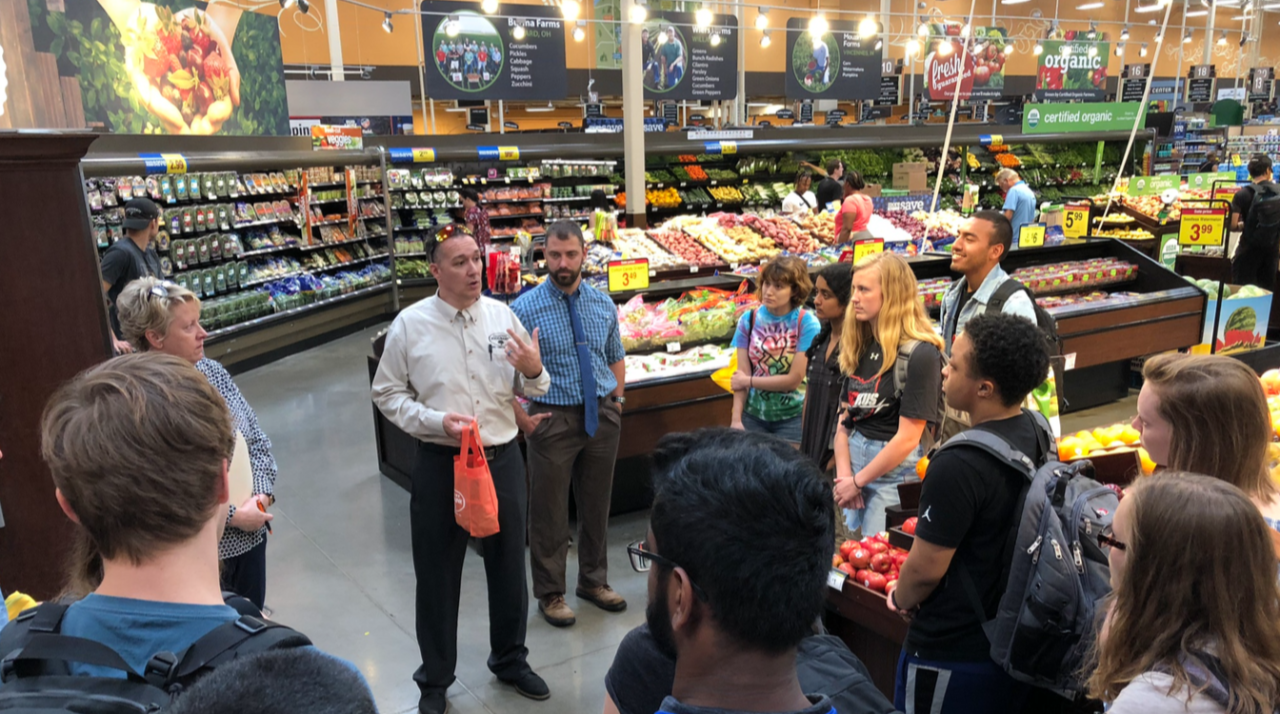 Students visit Kroger to learn more about the Zero Hunger Zero Waste initiative
