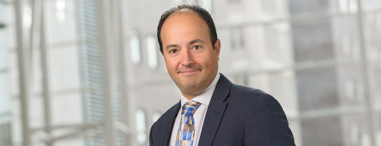 Dr. Alberto Espay