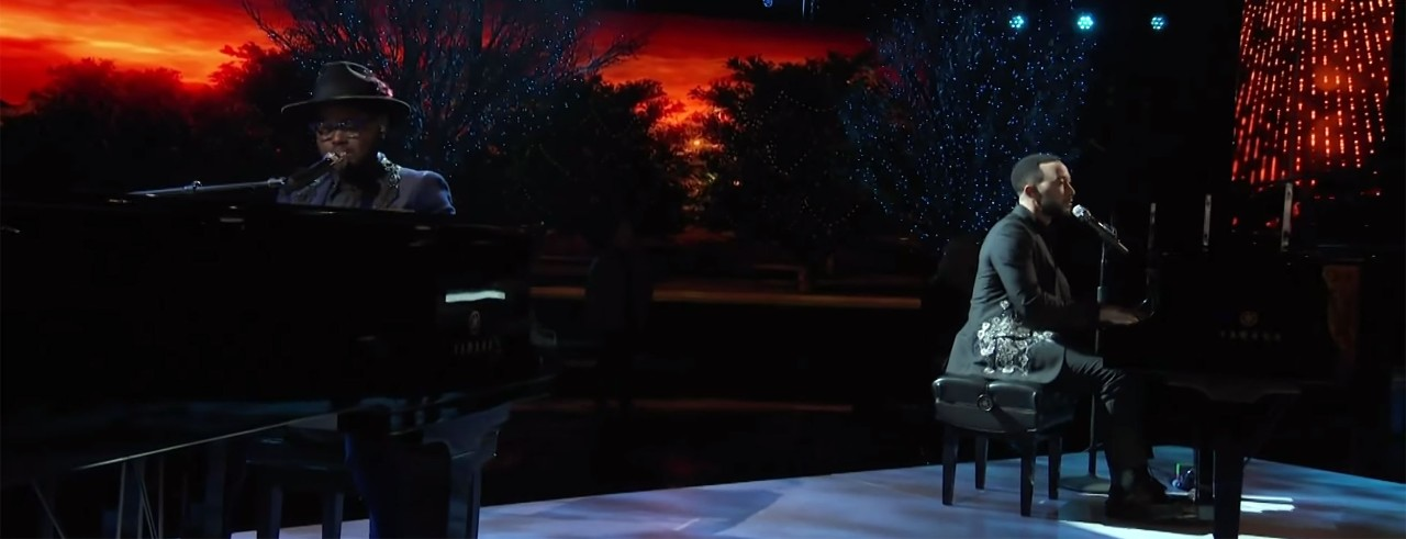 John Holiday and John Legend sing a duet during The Voice finale