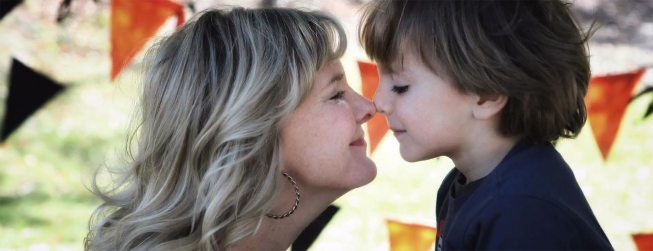 Jessica Hendy with her young son